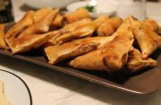 marokkanske brewat med tun ost og kartofler