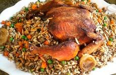 Kylling fyldt med ris og andet godt og blandet