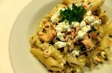 pasta med laks spinat og feta